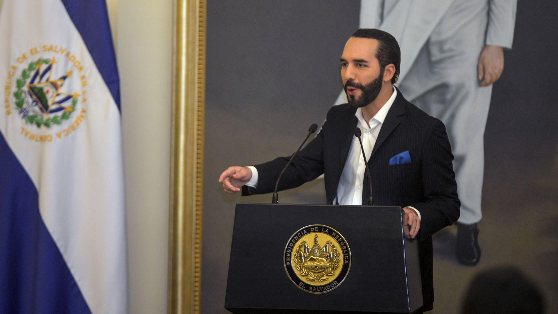 Bitcoin oficiálna mena v Salvadore prezident